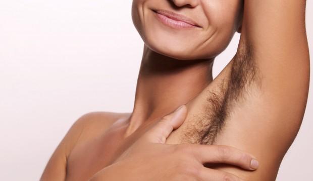 Las axilas peludas de los hombres